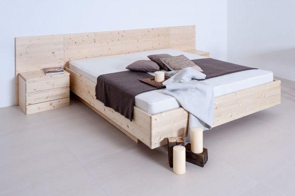Designerbett ALPENKÖNIGIN mit Zirbenholz-Vertäfelung + 2x Nachtkasten. Zirbenbett mit TOP-Preis