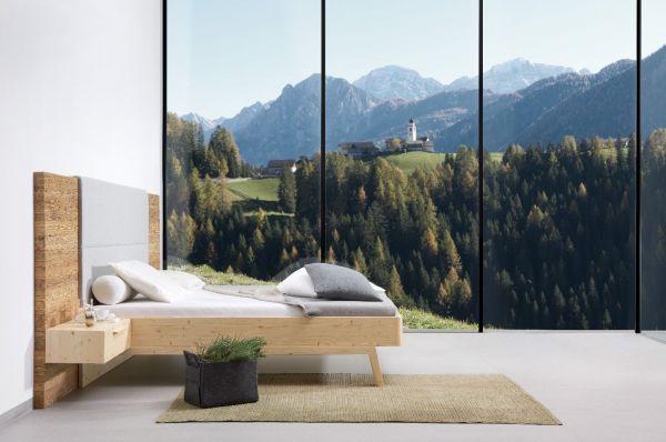Zirben-Designerbett ALPENHERZ 180x200 cm mit hoher Vertäfelung aus ALTHOLZ + 2x Lodenpaneel + 2x Hän