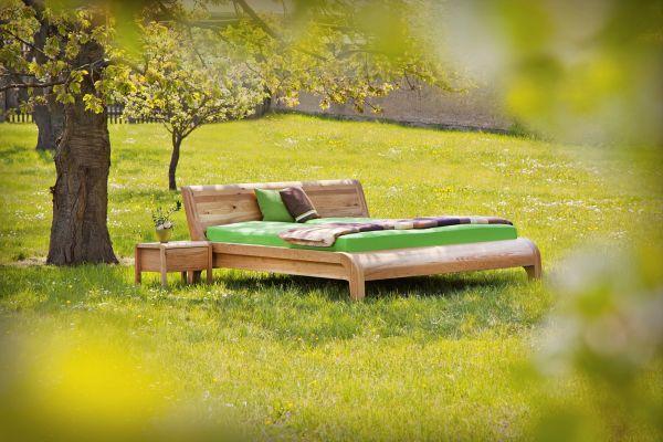 Zirben-Designerbett HERZKRAFT Zirbe massiv 180x200 cm. Einzigartige Bettschönheit. Ein Bett fürs Leb